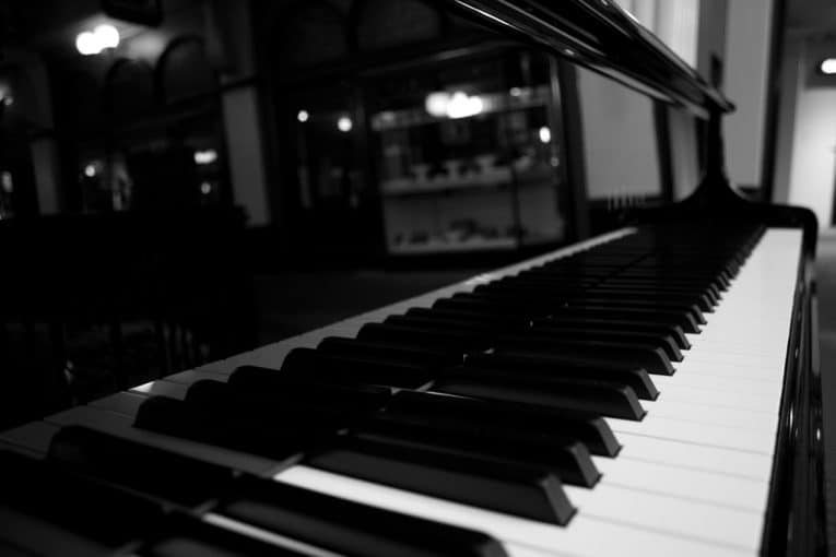 Digital Grand Piano: A Review For The Best Piano For You
