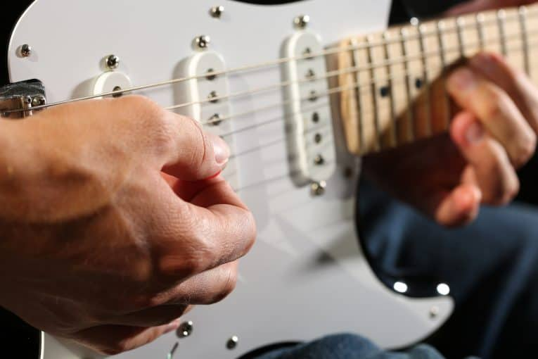 learn electric guitar