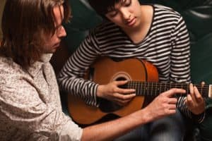 What You Can Expect From Guitar Lessons For Beginners