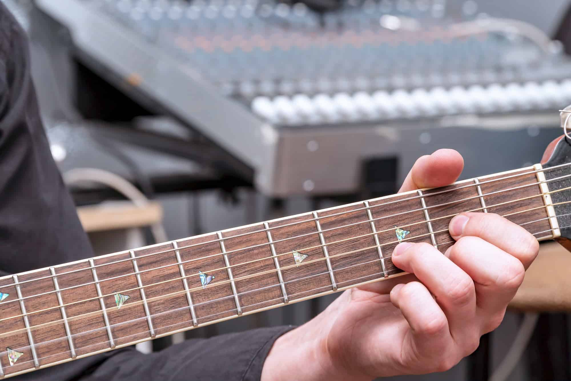 A Simple Explanation Of The D Major Chords On A Guitar